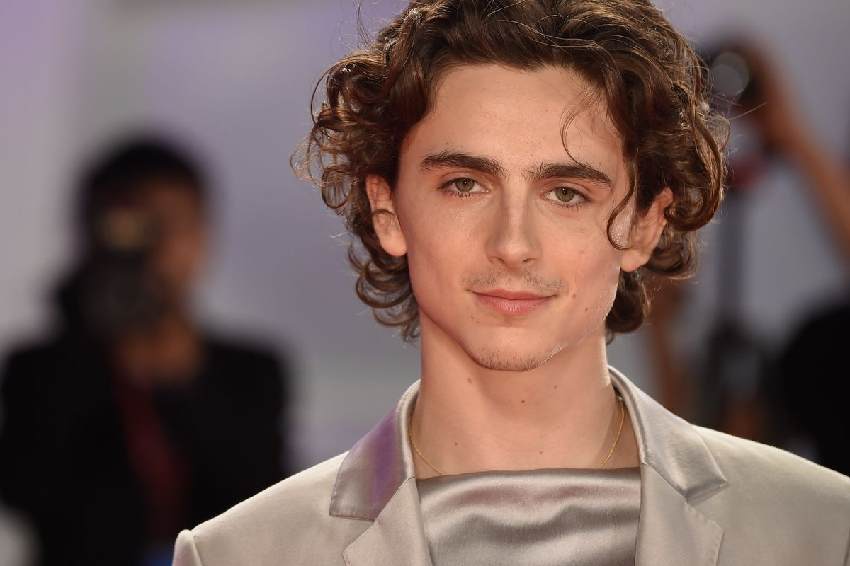 Timothée Chalamet Is Obsessed With Wearing Gold Chains