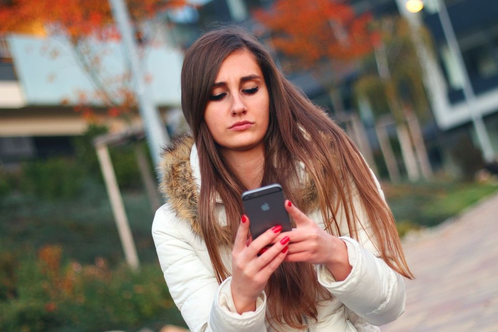 10 Ways Your Smartphone Is Helping You SLAY But Also Killing You Softly At The Same Time