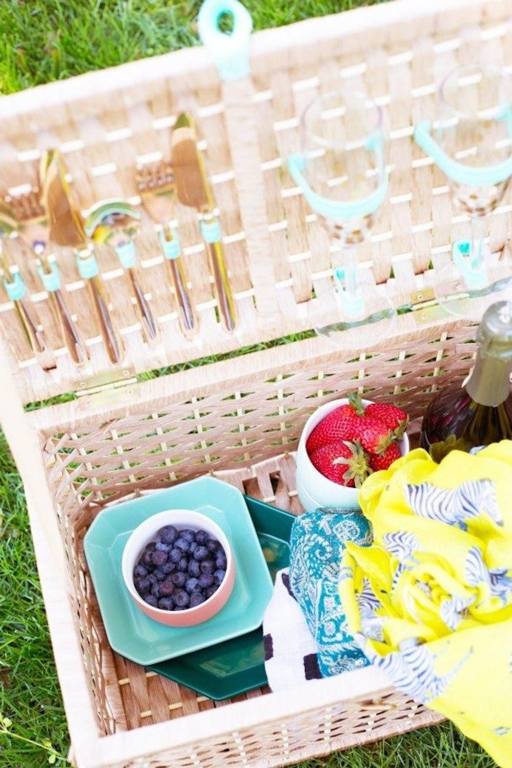 17 Stylish Picnic Baskets You Can Buy Or Diy Brit Co