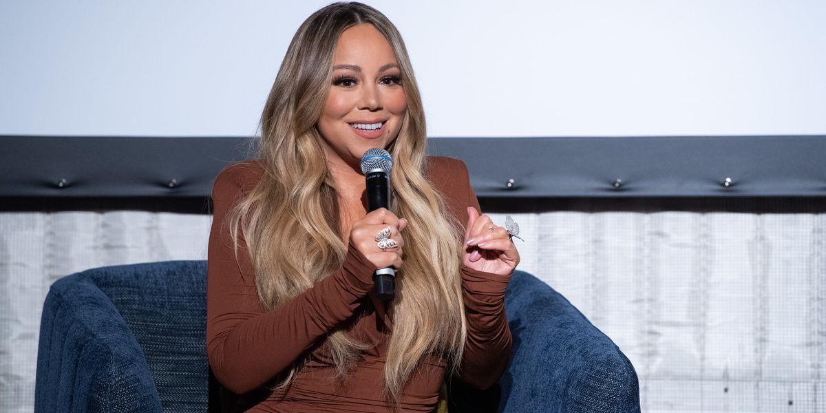 Mariah Carey Is Writing Her Memoirs