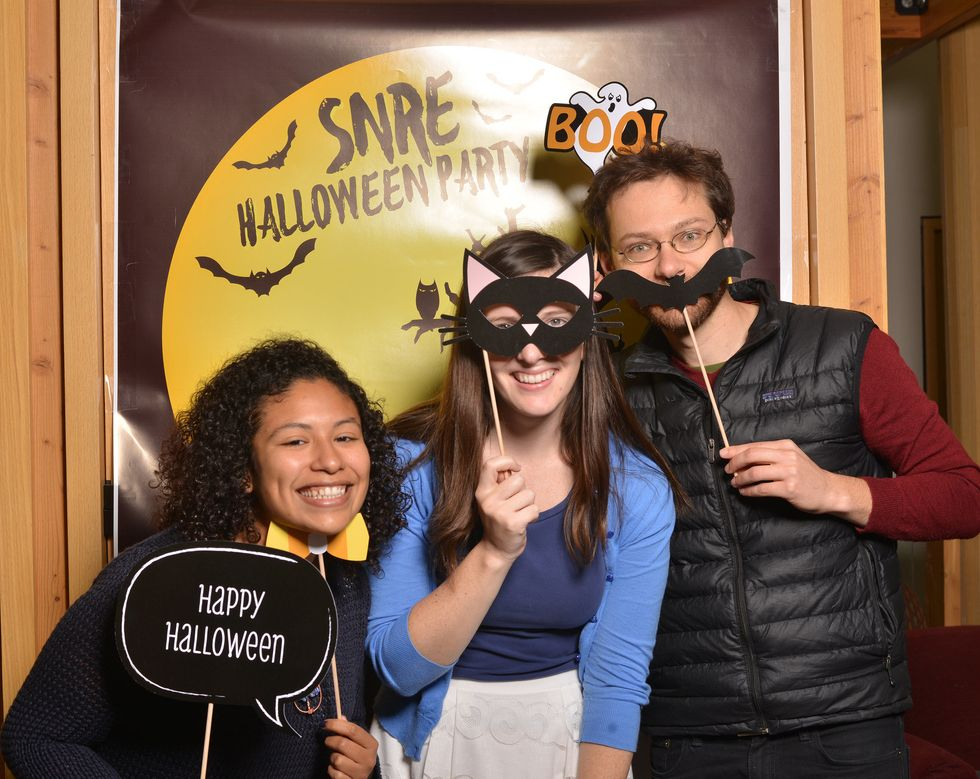 5 Ways To Throw A Budget-Friendly Halloween Party When Your Bank Account Is SCARY Empty
