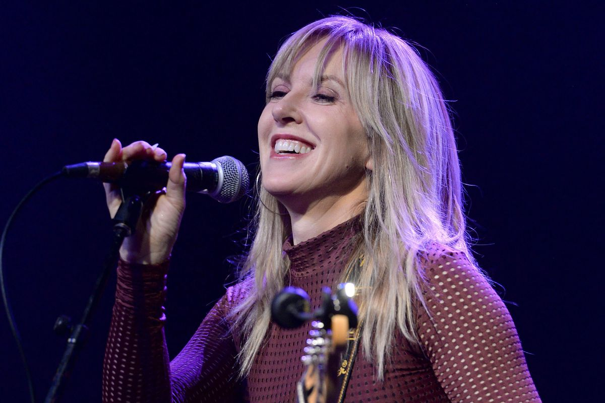 Liz Phair Returns With Debut Memoir and First New Single in 9 Years