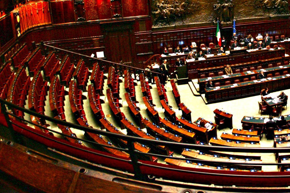 Plebiscito alla Camera per il taglio dei parlamentari. E il Pd si copre di ridicolo