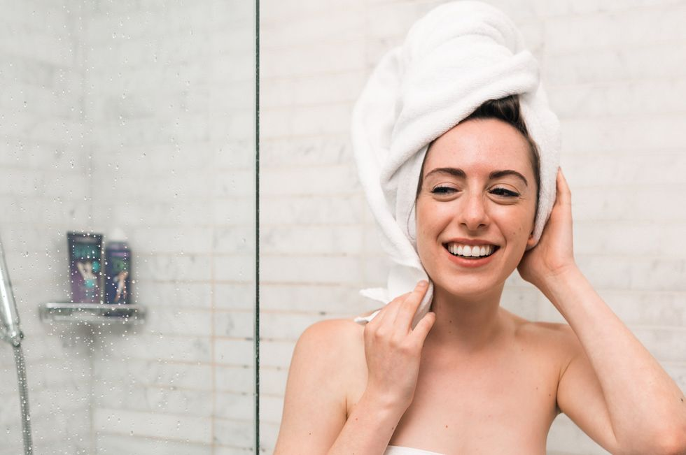 23 Thoughts Every Girl Has In The Shower That She'll 100 Percent Take To The Grave