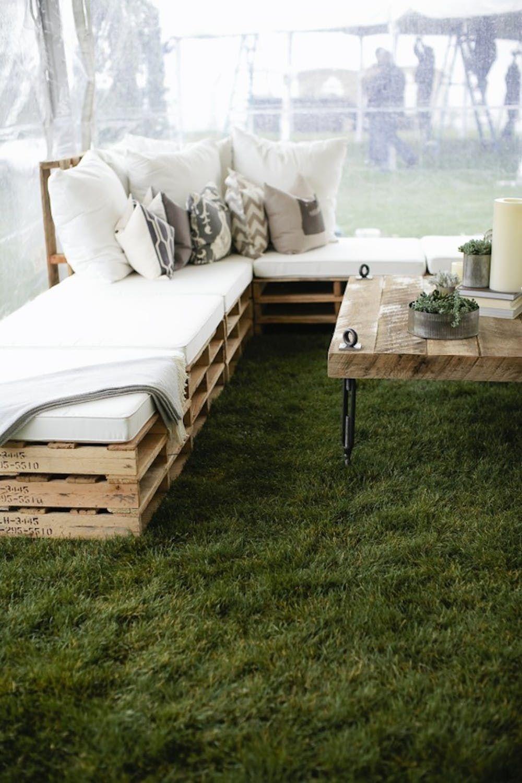 14 Outdoor Pallet Furniture Diys For Spring Brit Co