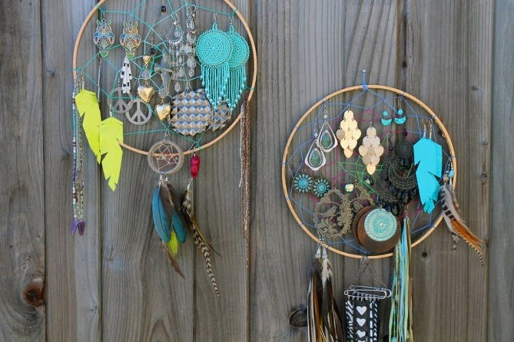 Dreamcatcher Earring Caddy | Unique Bohemian Gypsy Dreamcatchers Ideas Perfect For Homemade Gifts