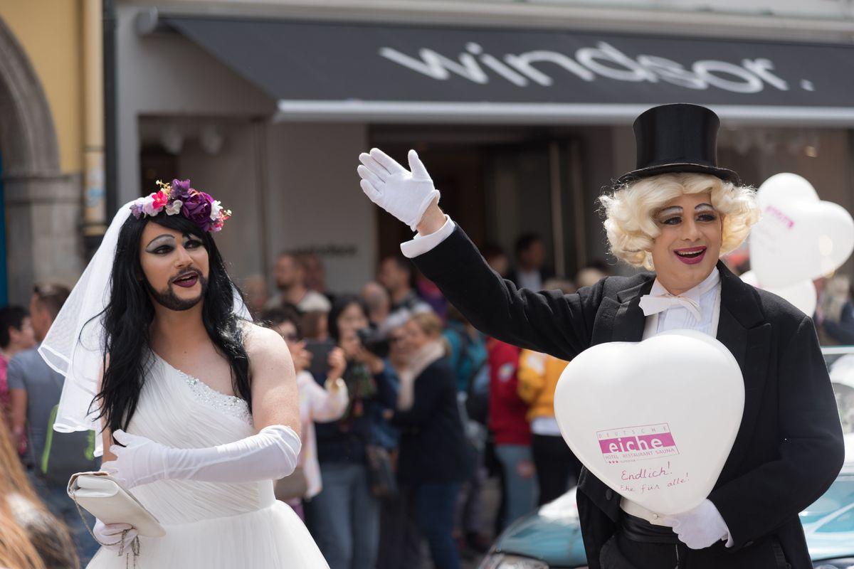 Via libera al matrimonio transgender