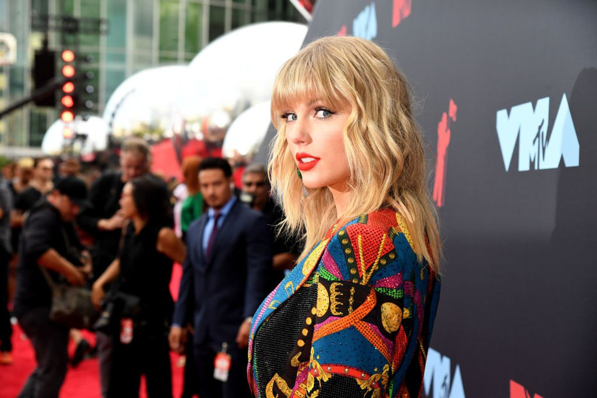 Taylor Swift (Accidentally) Cursed the Los Angeles Kings