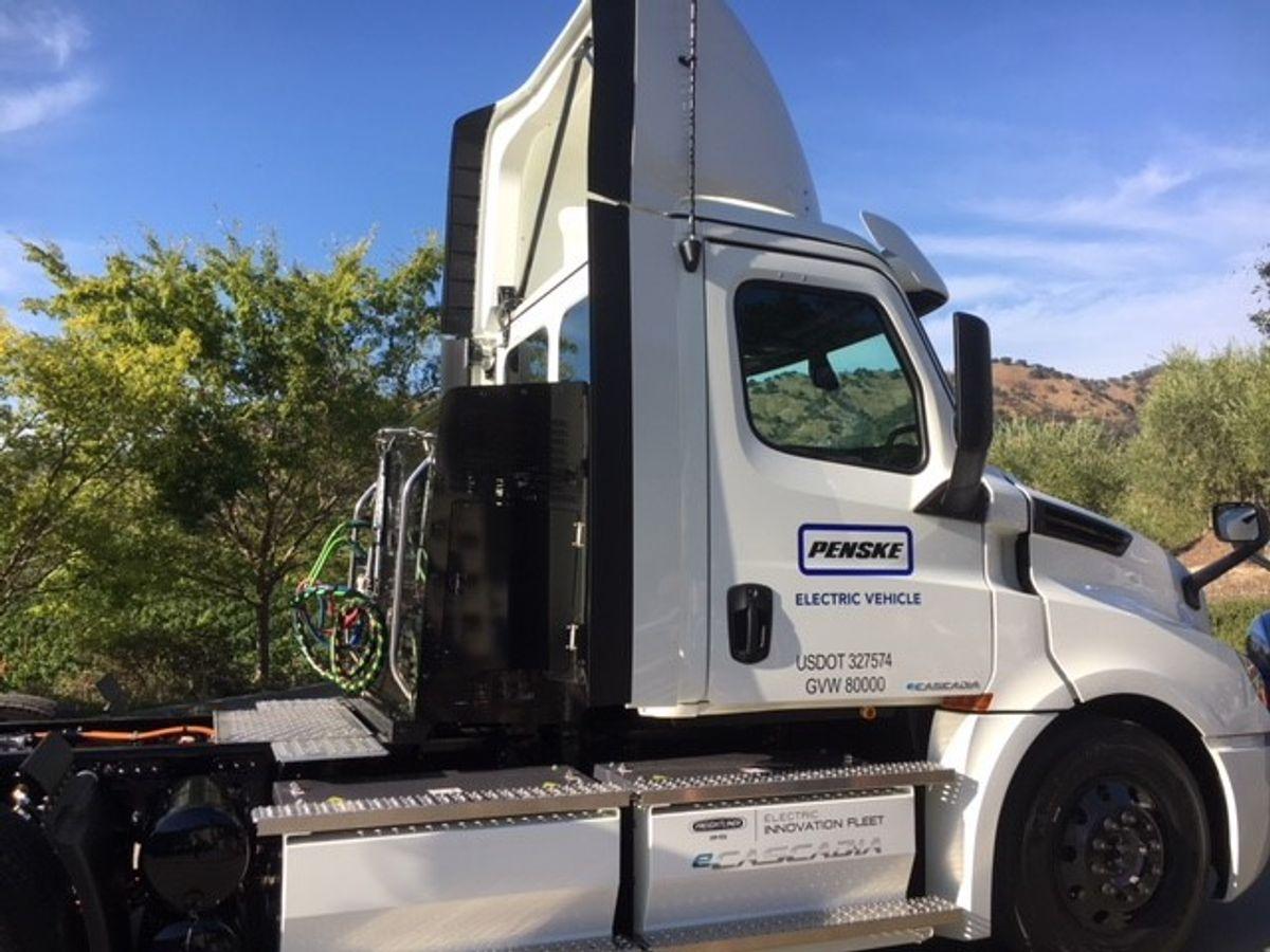 Penske Truck Leasing Receives Battery-Electric Class 8 Truck from Daimler