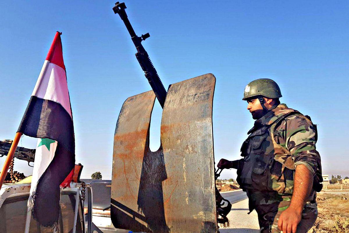 Siriani e turchi a un tiro di fucile. Le forze russe si mettono in mezzo
