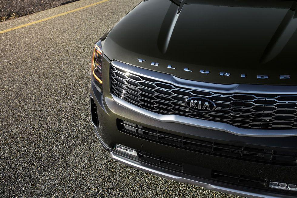 2020 Kia Telluride front headlights grille