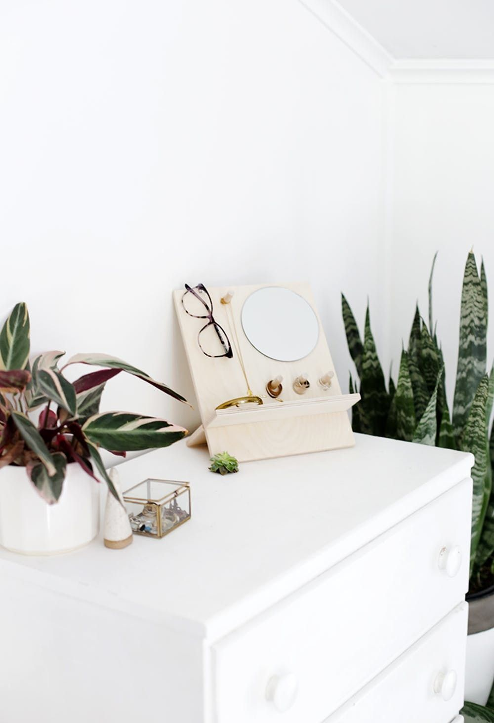 24 Ways To Style Your Bedside Table Brit Co