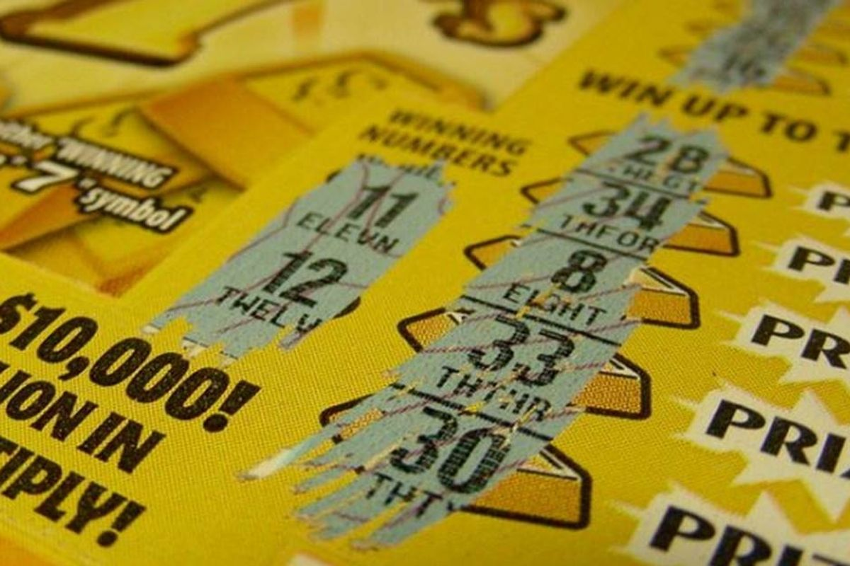 Man wins $200,000 lotto scratcher on the way to his final chemotherapy treatment