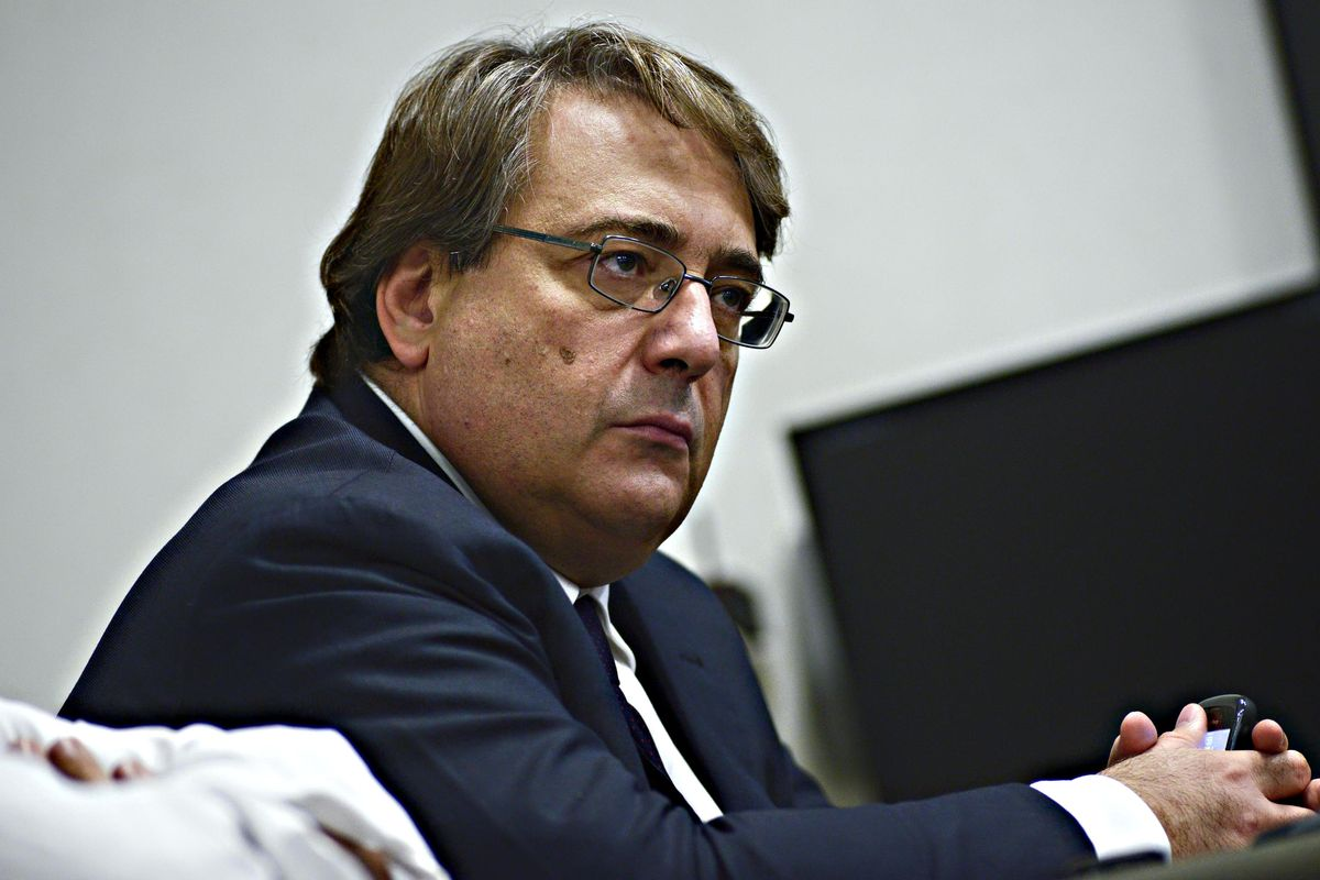 Napoletano va a processo a Milano, il «Sole» se la cava con 53.310 euro