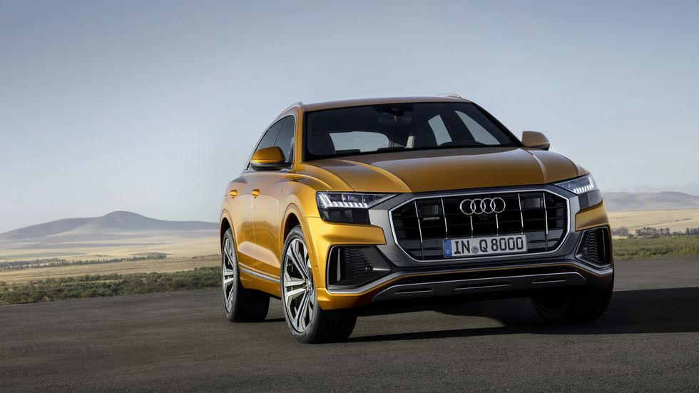 2020 Audi Q8 face front grille headlights