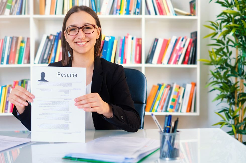 Recruiter holds up a simple but effective resume
