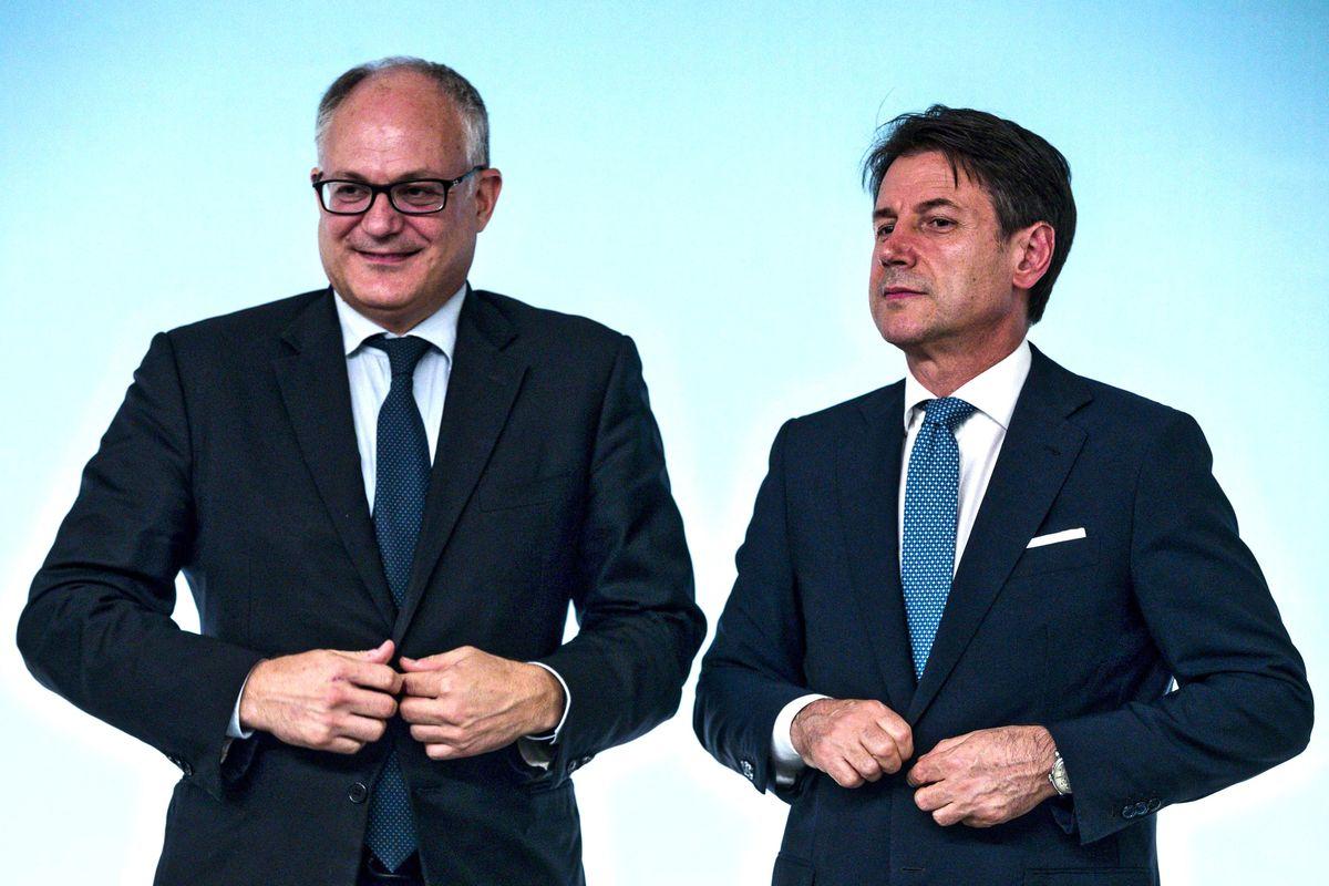 Giuseppi regala 3 euro ai pensionati. I sindacati si svegliano e insorgono