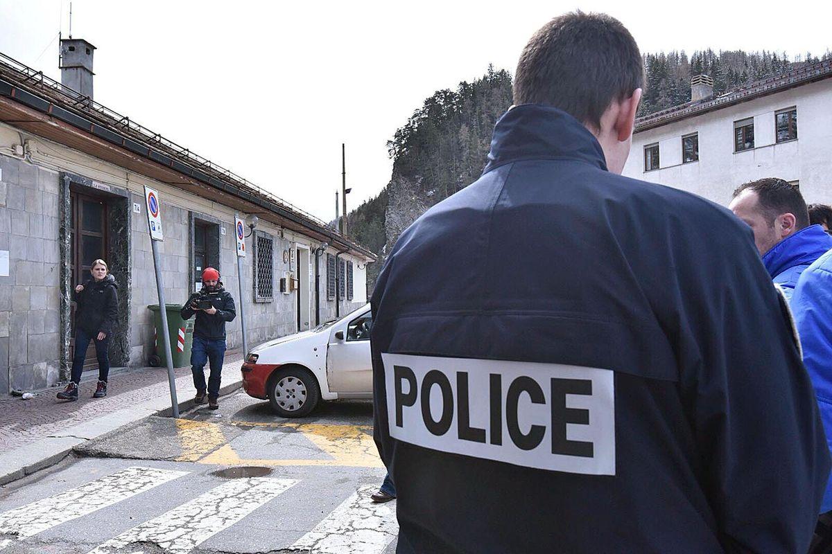 In Francia c'è la gara di agguati alla polizia
