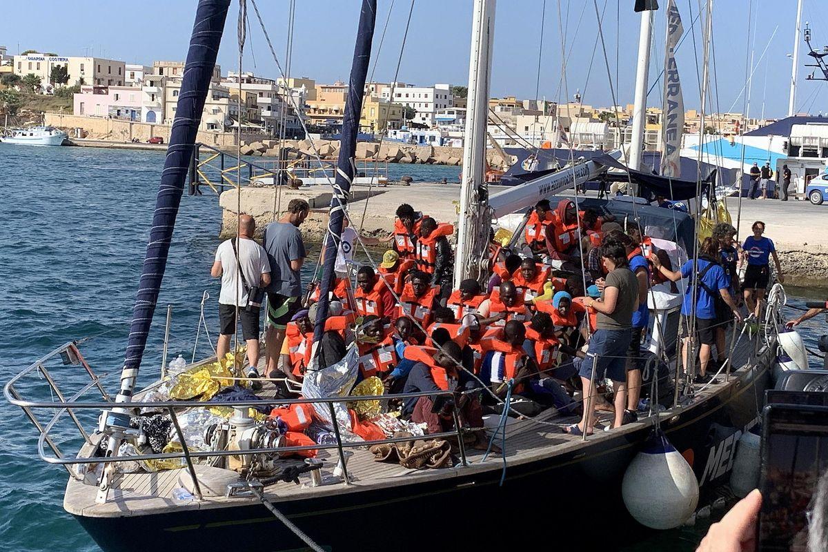 Gli 007 Usa: «Sui barconi ci sono terroristi»