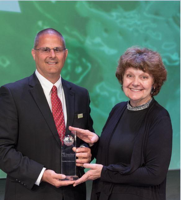 Penske Logistics Receives U.S. EPA SmartWay Excellence Award