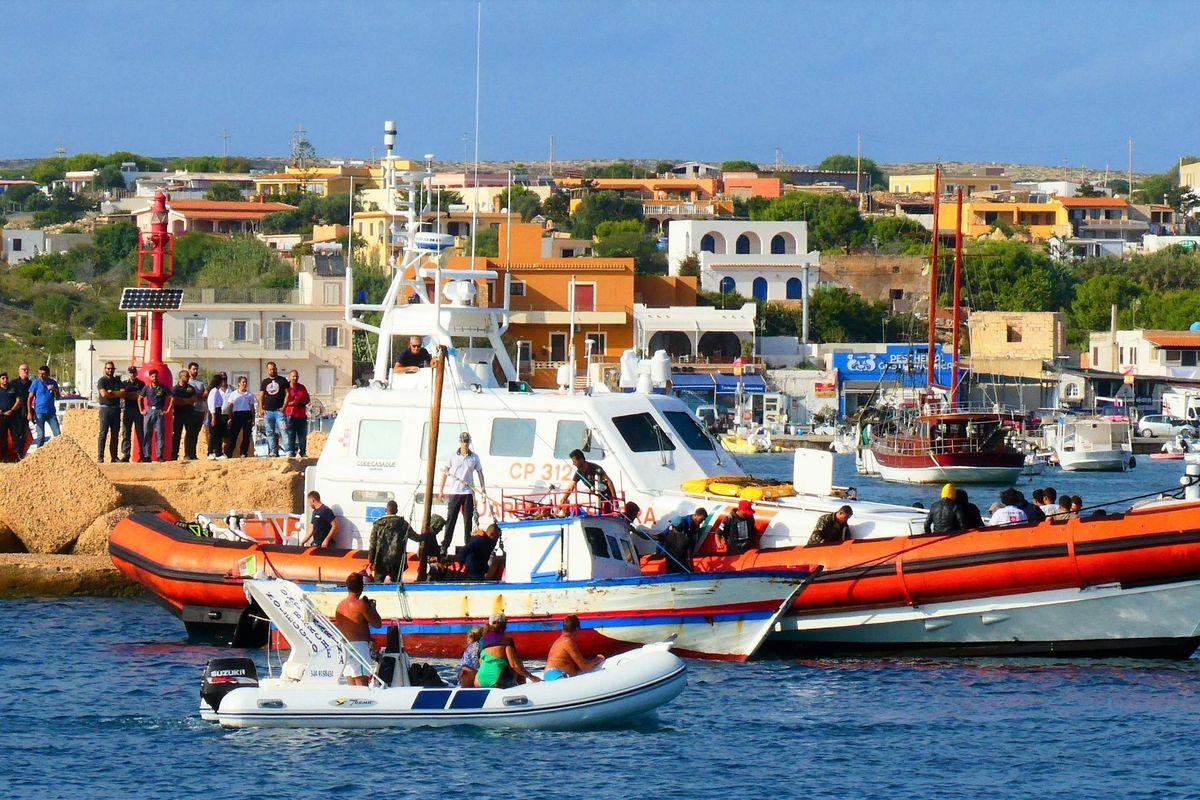 Roma regala 10 motovedette alla Guardia costiera libica ma adesso nessuno si indigna