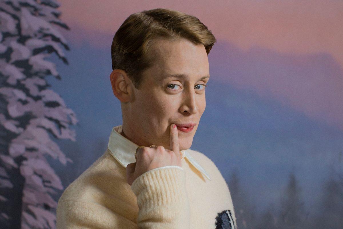 Macaulay Culkin Is a Naughty Little Christmas Sock Designer