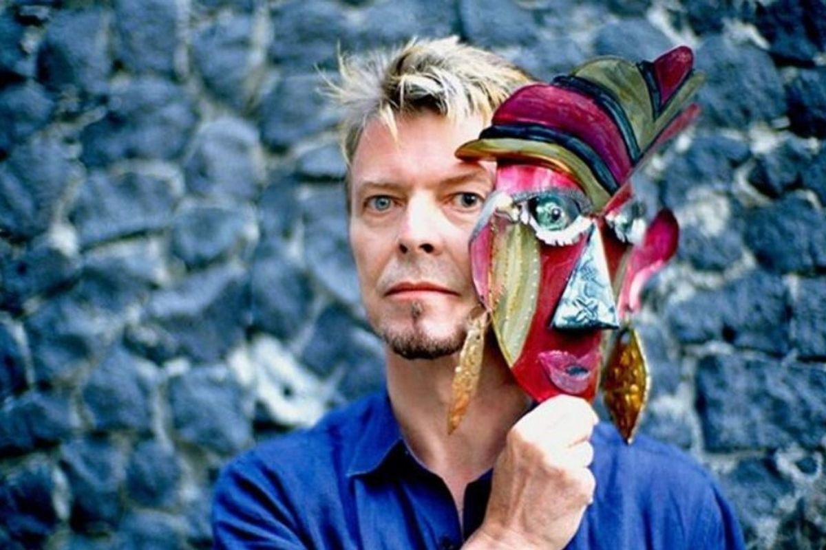 A viral story about David Bowie giving a boy with autism his 'invisible mask' is a must-read