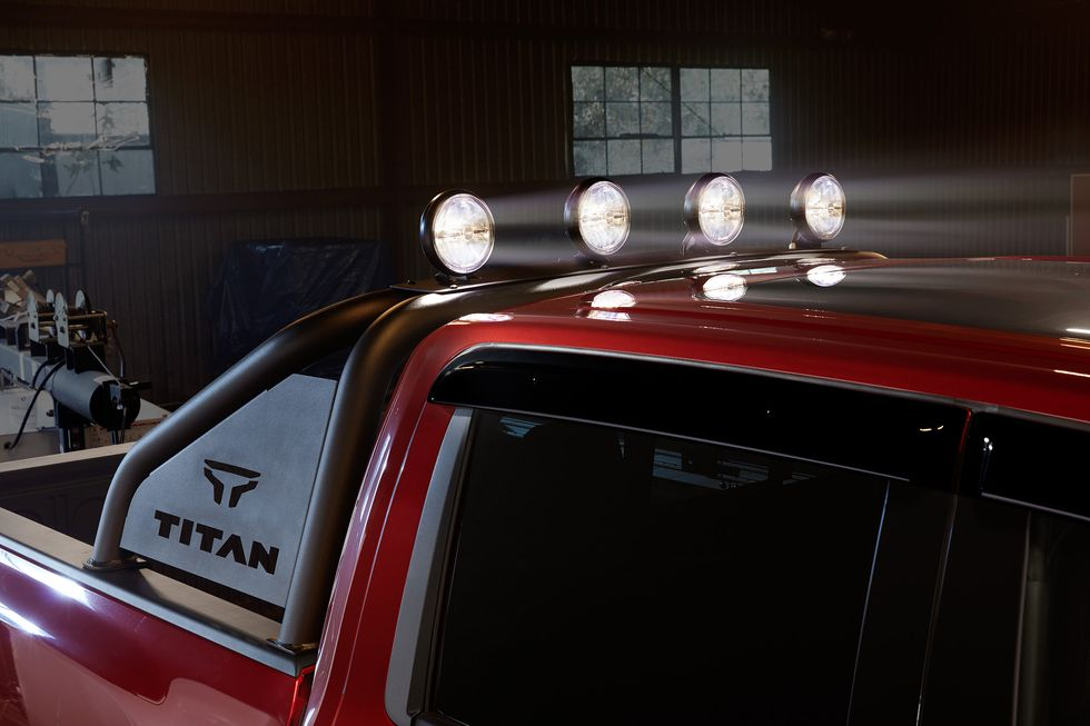 2020 Nissan TITAN with Genuine Nissan Accessories