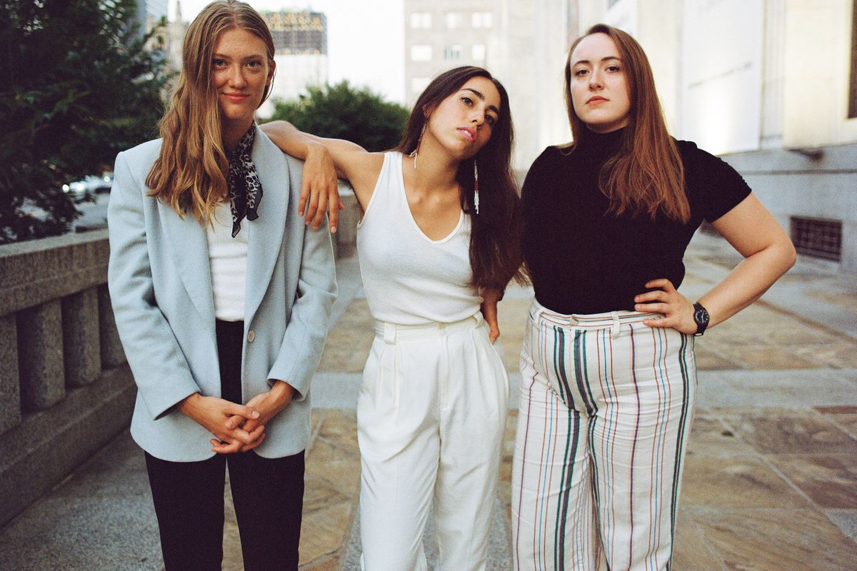Lula Wiles Is the Millennial Folk Trio Tackling Dating in 2019