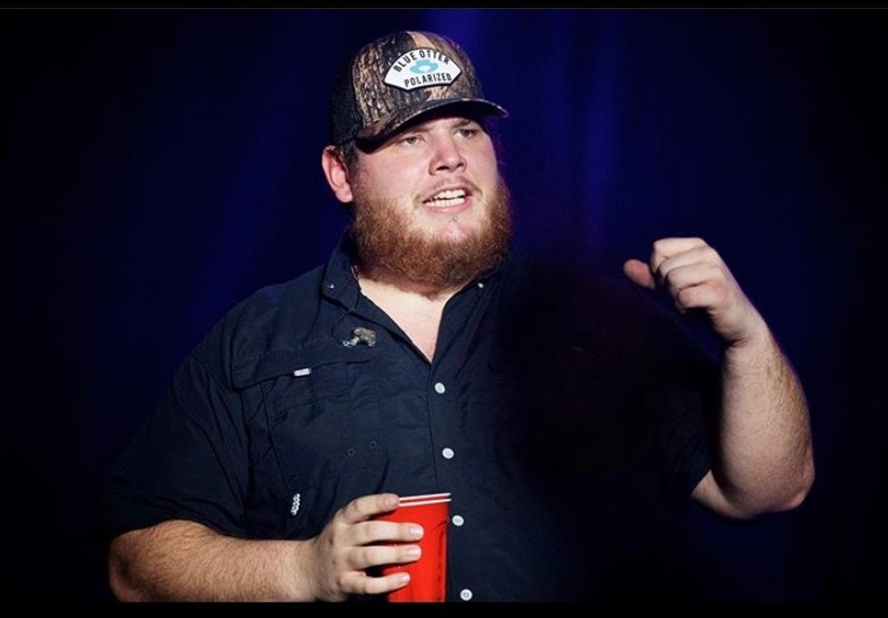 12 Lyrics From Luke Combs' 'What You See Is What You Get' To Make The Perfect Instagram Caption