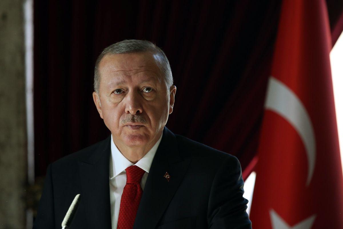 Erdogan rimanda a casa i foreign fighters