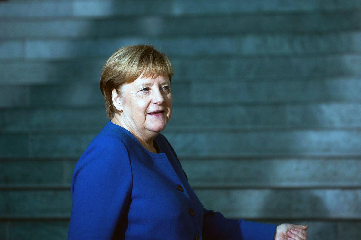 Tra Conte e Merkel è il solito bluff. «Sull'immigrazione intervenga l'Ue»