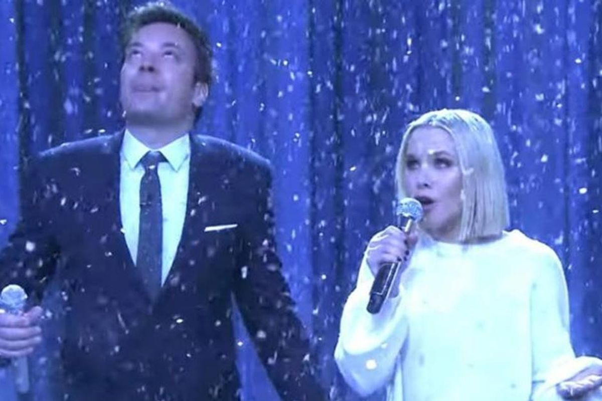 Watch Kristen Bell magically rip through 17 Disney songs in 5 minutes with Jimmy Fallon