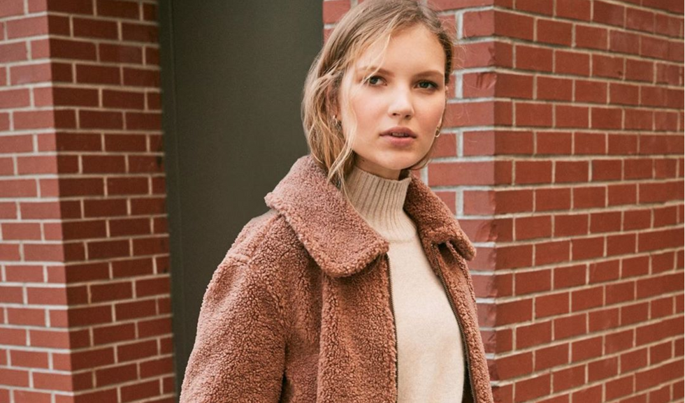 12 Fashion Steals Every College Girl Will Want To Tackle On Black Friday