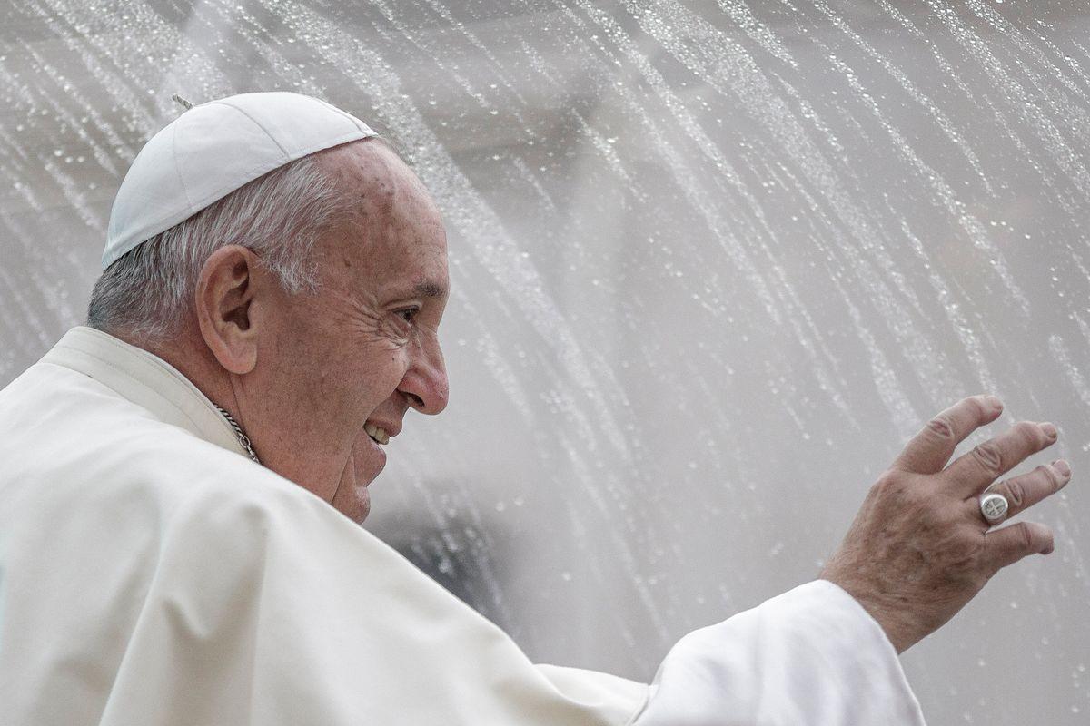 Il sistema Bibbiano scandalizza anche il Papa