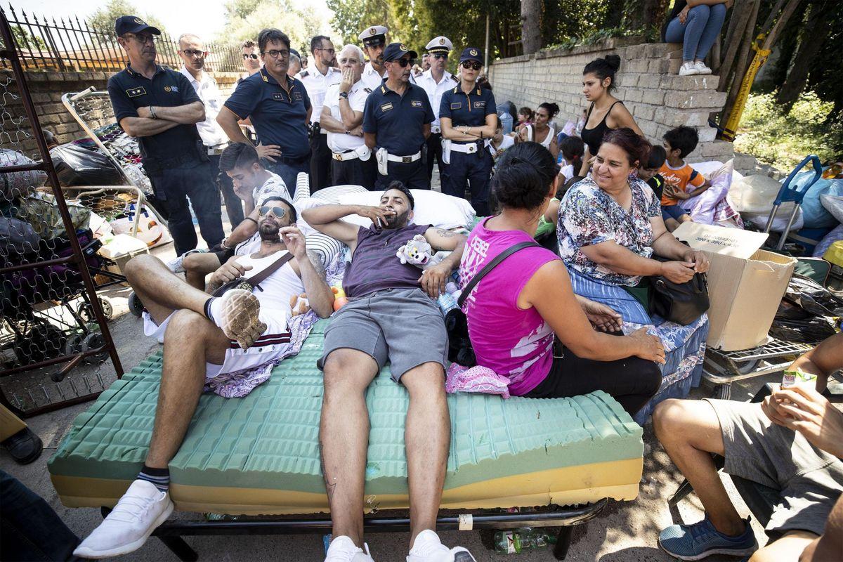 In manette 19 rom per spaccio. Otto hanno il reddito di cittadinanza
