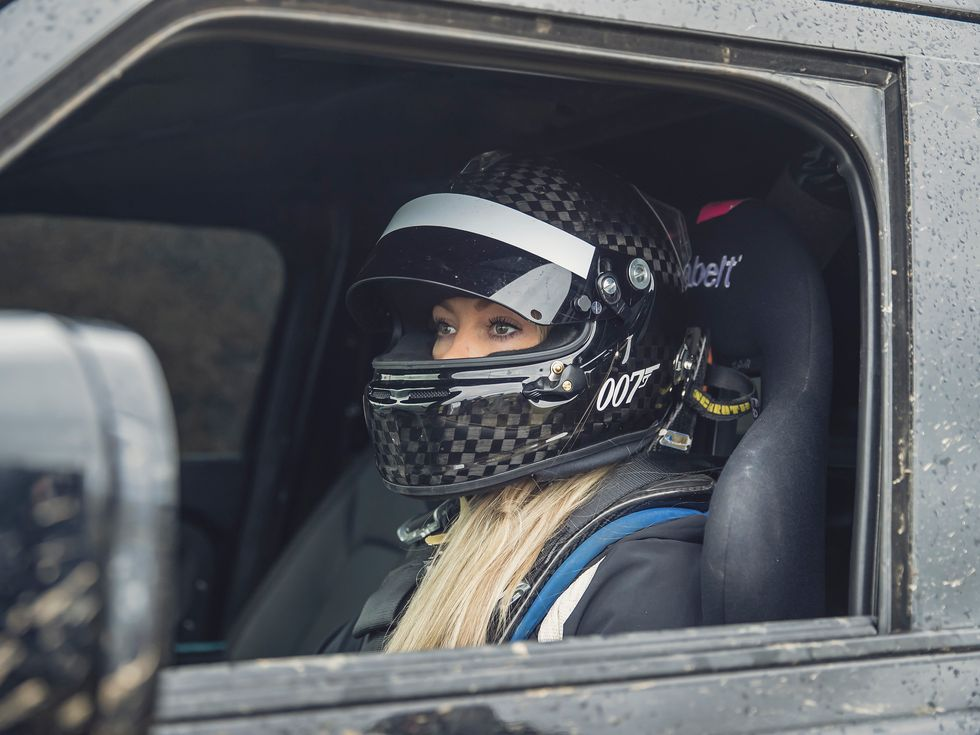 Jessica Hawkins Land Rover Defender No Time to Die James Bond