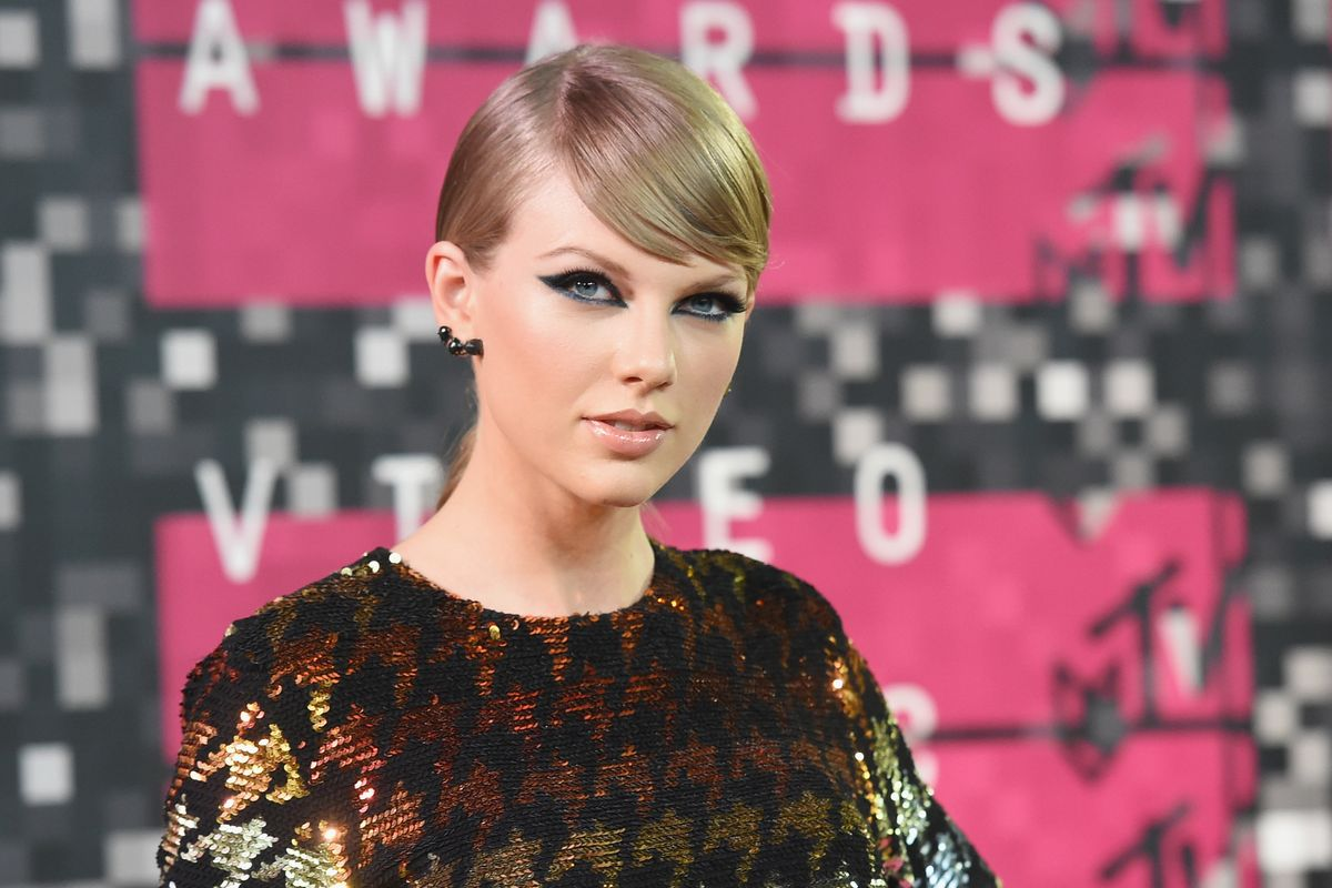 Taylor Swift Says She's Being Blocked From Performing Old Music