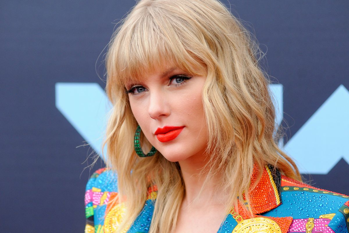 Big Machine Says Taylor Swift Is Lying, but She Has Receipts