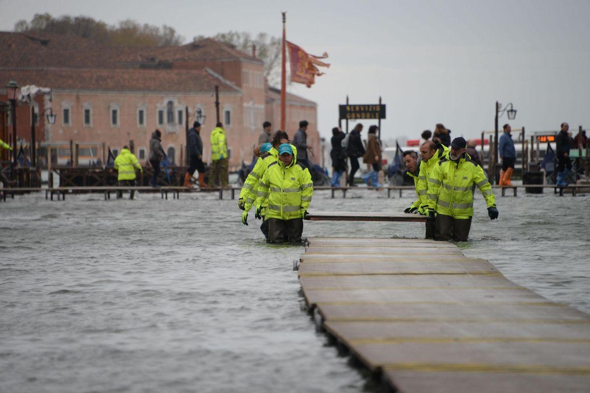 Mose non completo, la catastrofe sì. A inondare Venezia sono i commissari