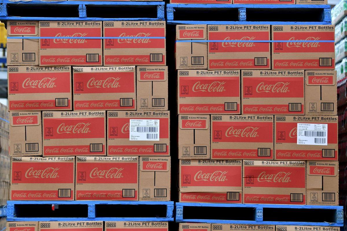 La Coca Cola attacca il governoma nasconde la mano
