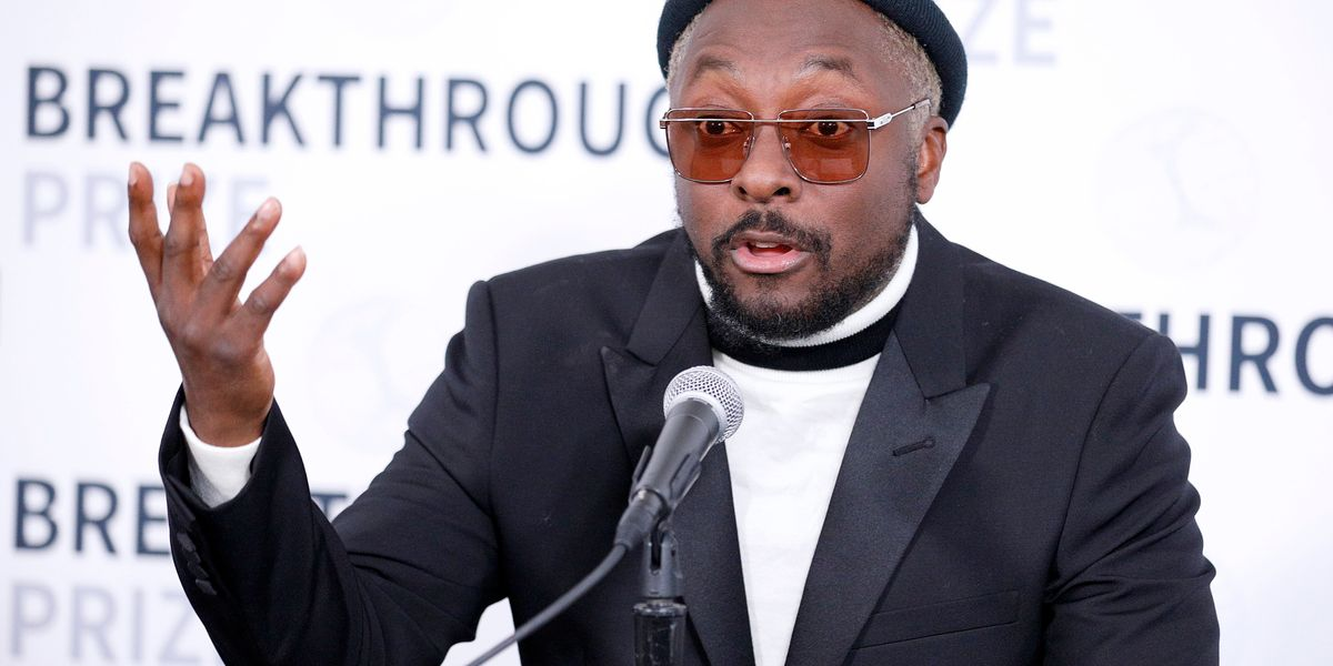 will.i.am Accuses Qantas Airways Staff of Racism