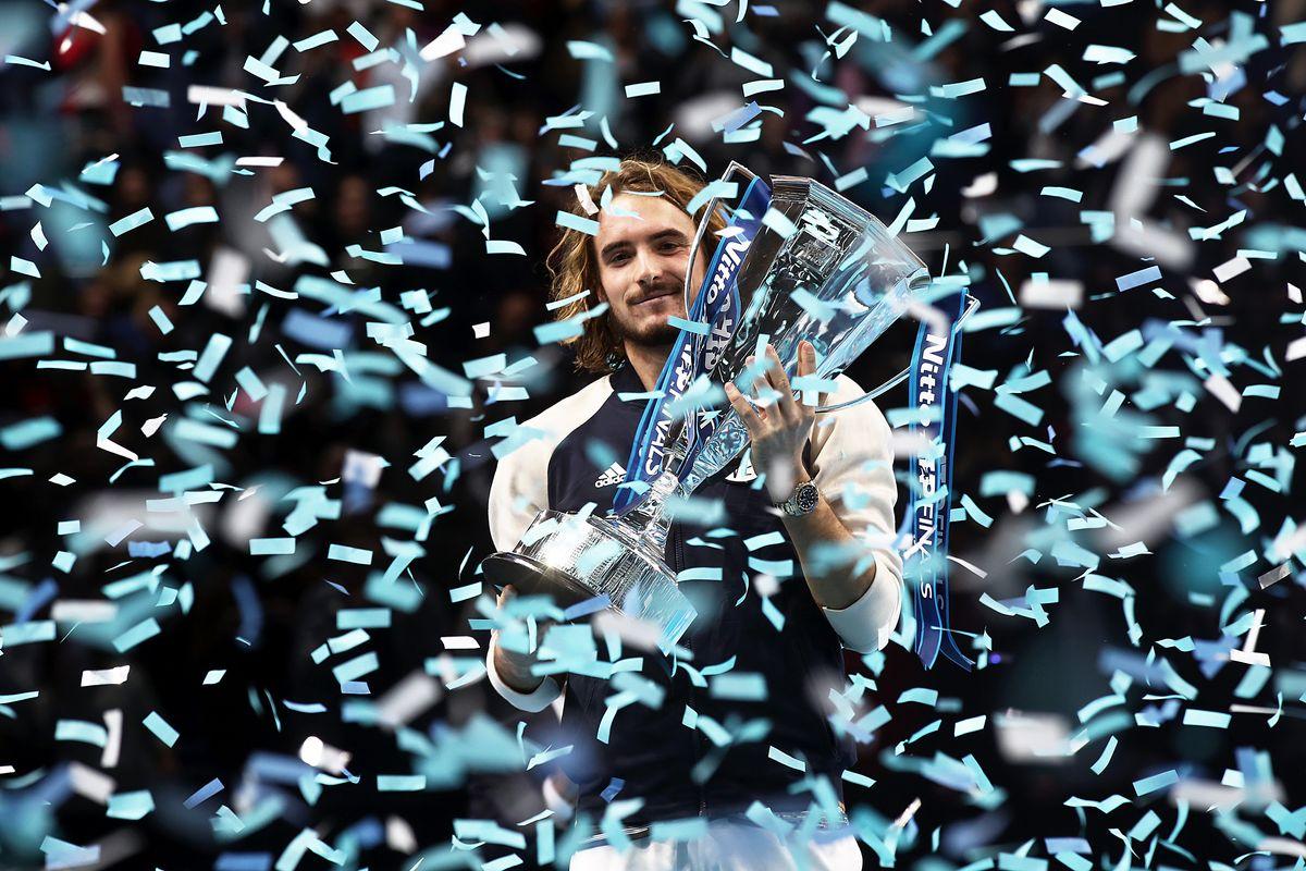 Un dio greco irrompe nell'Olimpo del tennis