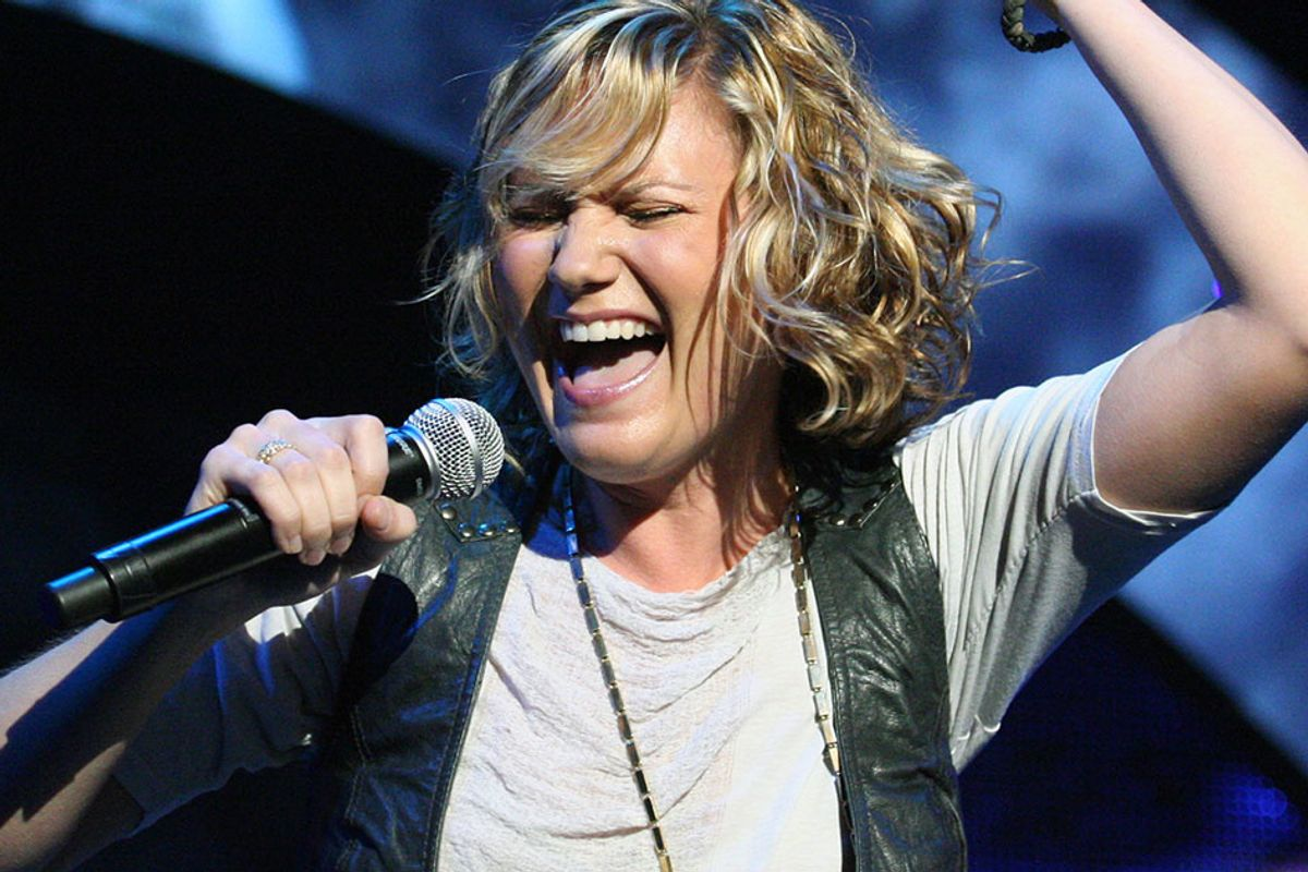 Jennifer Nettles' CMA dress called attention to the fact female country artists don't get 'equal play'