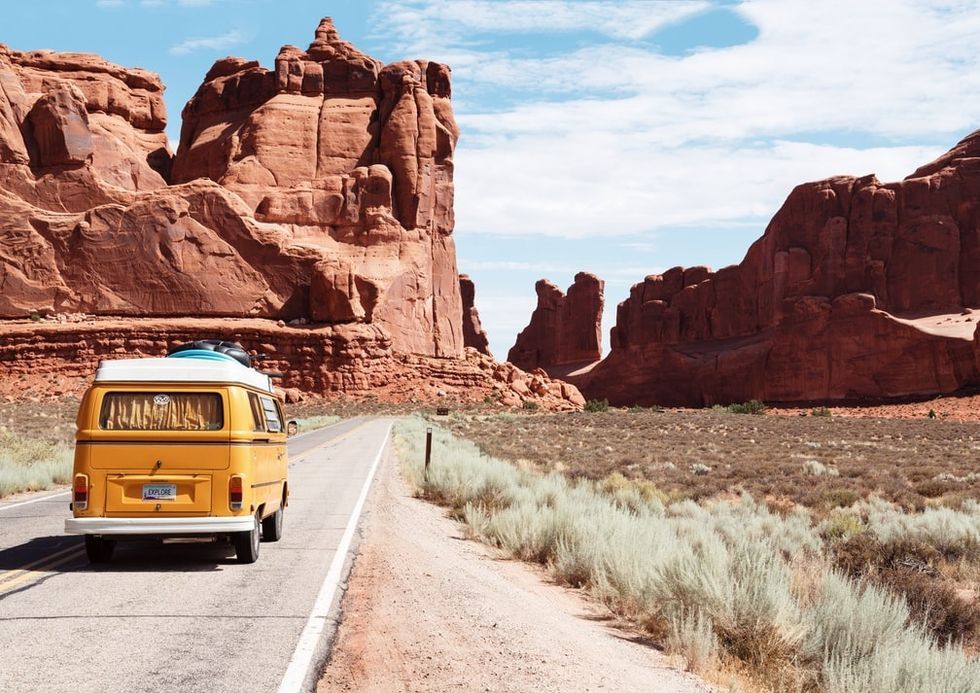 20 Best Road Trip Songs For Your Thanksgiving Trips