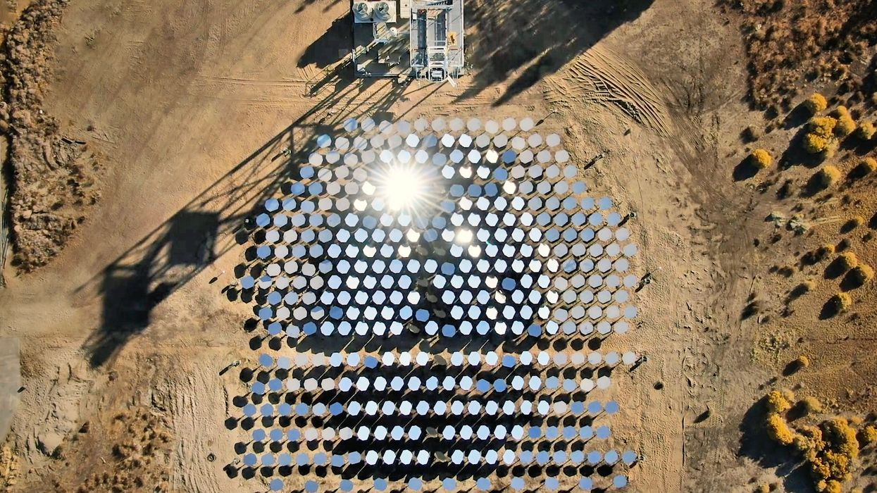 Startup backed by billionaires creates superhot solar power