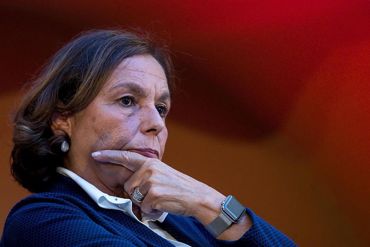 La Lamorgese vuole riaprire i porti. Così darà il via libera al caos in Libia