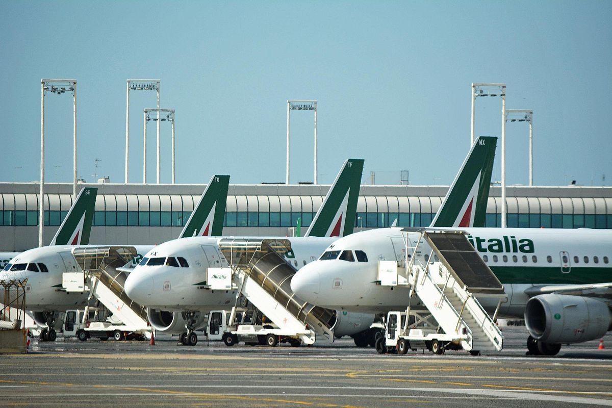 Conte in ostaggio dei Benetton su Alitalia