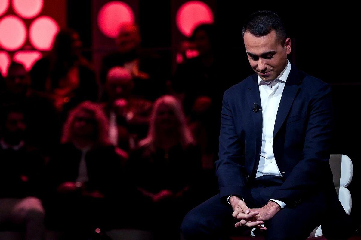 Rivolta 5 stelle: sconfessato Di Maio