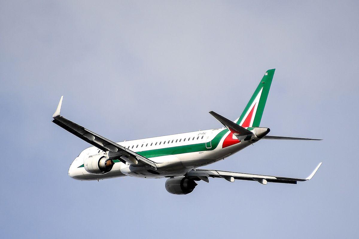 Suona l'ottava proroga di Alitalia. Altri soldi pubblici per farla volare